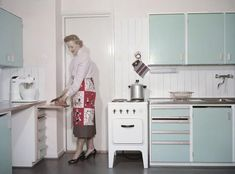 Home Decorating On The Cheap Referral: 4432640517 50s Style Kitchens, Home Kitchens, 6 Panel Doors, Vintage Housewife, Pastel Decor, Bright Homes, Cottage Interiors, Retro Home, Autumn Home