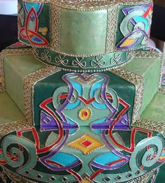 Celtic knots cake by Bobbette and Belle. Wow, I would love to have a cake like this...