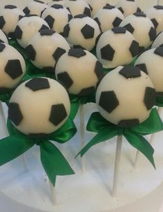 ideas birthday cupcakes boy sports baby shower for 2019 Soccer Cake Pops, Soccer Cupcakes, Soccer Ball Cake, Birthday Cupcakes, Soccer Baby Showers, Pop Baby Showers, Soccer Birthday Parties, Soccer Party, Baby Birthday