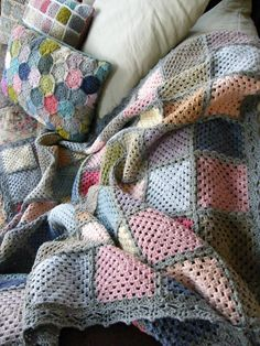 Crochet How To Annie's Place: Contemporary Crochet Granny Square Blanket Reveal Granny Square Crochet Pattern, Crochet Squares, Crochet Granny, Crochet Blanket Patterns, Crochet Motif, Diy Crochet, Crochet Designs, Crochet Crafts, Crochet Projects