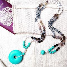 Traveling in style opens many a door...#felinalondon #jewellery #necklaces #semipreciousstones #allure #travel #cosmopolitan #turquoise #pearls #chic #style #creating #designing #bespoke #siamese #sealpoint #inspired