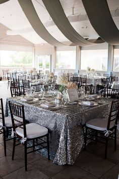 we ❤ this! moncheribridals.com #weddingtablescapes #glitterwedding #sequinwedding