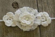 White Crochet Flower Headband.  Whit.e headband.  Skinny Elastic Headband.  White Headband by PiercesBows on Etsy