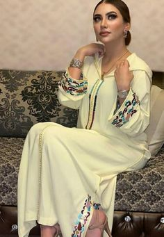 Morrocan Dress, Moroccan, Afghan Clothes, Traditional Dresses, Different Styles, New Dress, Kimono Top, Saree, Womens Fashion