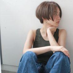 Japanese girl rocking the long pixie. Short Bob Hairstyles, Pretty Hairstyles, Girl Hairstyles, Haircuts, Girl Short Hair, Short Hair Cuts, Cut My Hair, Her Hair, Hair Inspo