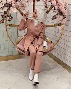date outfit dress Abaya Fashion, Modest Fashion, Fashion Outfits, Muslim Girls, Muslim Women, Modest Outfits, Casual Outfits, Simple Hijab, Outfit Look