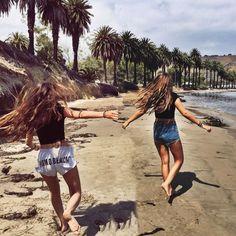 Echando de menos la #Playa y a los chicos de Área de #LosÁngeles Quien se encuentre que se etiquete o comente citándose!  Contadnos recuerdos de este momento Mirad nuestro Facebook que estamos colgando las fotos de todos los programas 2015 http://ift.tt/1PhX4ZH  #USA #LA #California  #young #teenagers #boys #girls #city #english #inglés #idioma #awesome #Friends #verano #adventure #fun #EstadosUnidos #EstatsUnits #beach #group