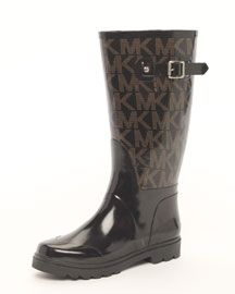 My new Kors rain boots for fall! Cute Rain Boots, Rubber Rain Boots, Michael Kors Rain Boots, A Spoonful Of Style, Bootie Boots, Shoe Boots, Fashion Shoes, Fashion Accessories, Handbags Michael Kors