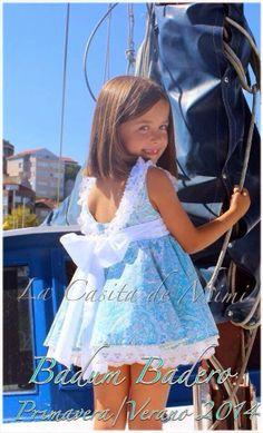 La casita de Mimi Cute Flower Girl Dresses, Little Girl Dresses, Cute Dresses, Girls Dresses, Toddler Outfits, Kids Outfits, Burberry, Tween Fashion, Dress With Bow