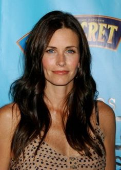 Photo of Courteney Cougar Town Promo's for fans of Courteney Cox 7902133 Cougar Town, Courtney Cox, Abc Photo, Got The Look, Celebs, Celebrities, Best Actress, Jennifer Aniston, Dimples