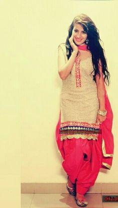 Saragurpal #punjabimodel red suit salwar
