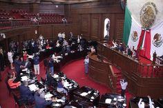 En sesión ordinaria, el pleno de la LXXIII Legislatura aprobó los dictámenes mediante los cuales se declara ha lugar admitir a discusión tres iniciativas para incorporar la figura de presidente ...
