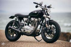Yamaha XS650 SE Brat Style JK13 by Jerikan Motorcycles #motorcycles #bratstyle #motos | caferacerpasion.com