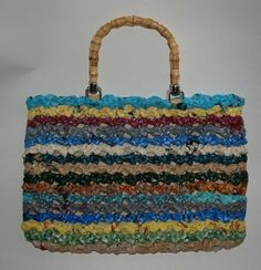 Recycled Plastic Bag Shell Purse, instructions for using plastic bags to crochet this purse. From MyRecycledBags.com