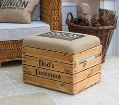 New Palette Furniture Diy Wooden Crates 57 Ideas Diy Storage Ottoman, Diy Ottoman, Crate Storage, Diy Footstool, Ottoman Ideas, Wood Crates, Wood Pallets, Coffee Dad, Coffee Bean Sacks