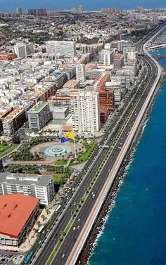 Las Palmas de GRAN CANARIA. Islas Canarias. España Beautiful Places In The World, Wonderful Places, Places To Travel, Places To Visit, Southern Europe, Spain And Portugal, Canary Islands, Tourism, Morocco