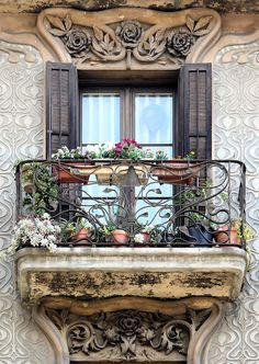 Balcony Casa Jeroni Granell in Barcelona - Spain Art Nouveau Architecture, Beautiful Architecture, Beautiful Buildings, Architecture Details, Garden Architecture, Old Windows, Windows And Doors, Through The Window, Window View