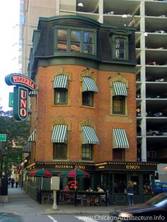 Chicago-Pizzaria Uno  Official name: Uno Chicago Grill