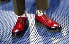 Pitti Uomo 87 : Converse shoes in the modern mens shoes