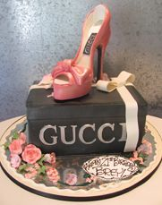 Gucci Shoe on Shoe Box Cake. not too fond of the black box cake. Gorgeous Cakes, Pretty Cakes, Amazing Cakes, Shoe Box Cake, Shoe Cakes, Shoe Pie, Bag Cake, Crazy Cakes, Fancy Cakes