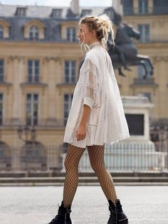 Winter / Fall Fashion Free People Heartbreaker Mini Dress and Libby Fishnet Tight. 98 Lucas Lace Up Boot. Look Fashion, Autumn Fashion, Fashion Outfits, Womens Fashion, Fashion Trends, Lolita Fashion, Retro Fashion, Fashion Tights, Rockabilly Fashion