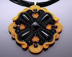 Beautiful, impressive soutache necklace, made of soutache strings with Onyx and glass beads. Length of string: 18 inches Colour: black and mustard. Soutache Pendant, Soutache Necklace, Onyx Necklace, Stone Beads, Glass Beads, Black Mustard Seeds, Plastic Canvas Tissue Boxes, Creative Colour, Polymer Clay Charms