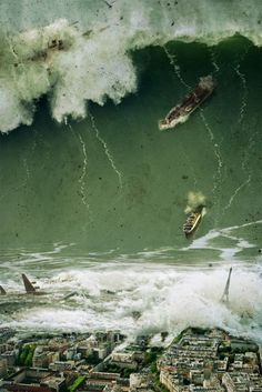 Tsunami - so scary! Natural Phenomena, Natural Disasters, Fuerza Natural, Dame Nature, Earthquake And Tsunami, Wild Weather, Montage Photo, Tornados, Big Waves