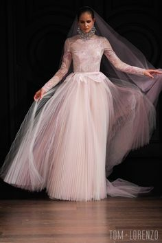 Naeem-Khan-Spring-2017-Bridal-Collection-Fashion-Tom-Lorenzo-Site (4)