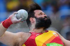 Und weg damit: Kugelstoßer Carlos Tobalina  aus Spanien kämpft um einen Platz...