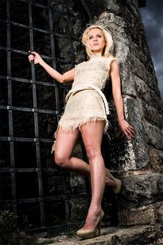 Outdoor portrait of a young, beautiful and sexy woman leaning against the gates of the Mow Cop castle. Beauty Photography, Lifestyle Photography, Senior Pictures, Senior Pics, Outdoor Portraits, Sexy Women, Beautiful Women, Female, Elegant