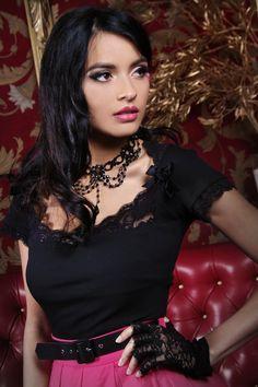 Bella Señora Lace Top (Black)