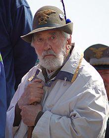 Rigoni Stern sull'Ortigara durante l'Adunata nazionale degli alpini di Asiago del 2006