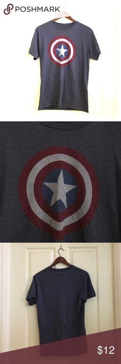 Captain America Tshirt Marvel Captain America Tshirt. Size S Marvel Shirts Tees - Short Sleeve