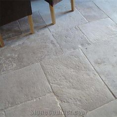 en pierre type Bourgogne ancienne Love these antique limestone floors for the mudroom and other tiled areas on the first floor.Love these antique limestone floors for the mudroom and other tiled areas on the first floor. Flagstone Flooring, Limestone Flooring, Limestone Patio, Natural Stone Flooring, Grey Kitchen Interior, French Interior, Casa Loft, Enchanted Home, French Cottage