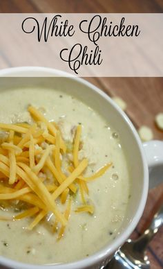 Looking for a white chili chicken recipe? This one is a HUGE fan favorite at my house and seriously so good. Its SUPER simple too! Totally a weeknight meal option or a great chili with chicken to simmer on the stove on a fall weekend or a winter night! Crock Pot Slow Cooker, Crock Pot Cooking, Slow Cooker Recipes, Crockpot Recipes, Cooking Recipes, Chili Recipes, Soup Recipes, Dinner Recipes, Dinner Ideas
