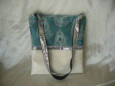 sac bandoulière style tote bag plumes, simili cuir blanc avec poches intérieures
