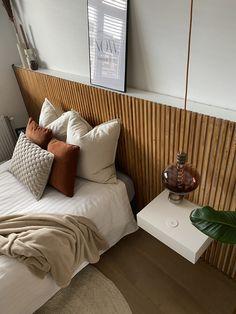 Small Bedroom Hacks, Small Room Bedroom, Home Bedroom, Modern Bedroom, Diy Bedroom Decor, Master Bedroom, Home Decor Signs, Cheap Home Decor, Home Decor Inspiration