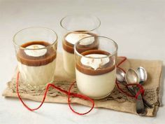 Jouluinen panna cotta Christmas Desserts, Holiday Treats, Christmas Baking, Panna Cotta, Finnish Recipes, Slow Food, Food Inspiration, Sweet Recipes, Yummy Treats
