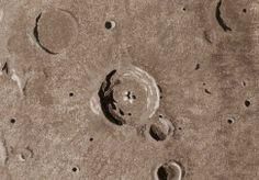 Água lunar é tão antiga quanto a Lua