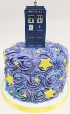 Increible #DrWho cake created by Flavor Cupcakery in Bel Air and Cockeysville MD! #allonsy #drwho #badwolf #stars #rosette #swirl #cake #birthday