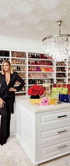 Dressing Room 4 Khloe Kardashian @michaelOXOXO @JonXOXOXO @emmaruthXOXO @emmammerrick  #CLOSETS DRESSINGROOMS DRESSINGTABLES