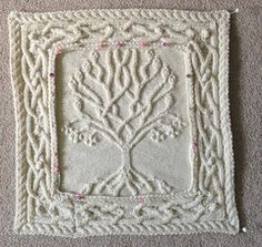 annemariep's Celtic Tree Pillow : I wanted an extra pillow to go with the two from Barbara A Pott that I have already knitted – Celtic Oak and Celtic Rowan Pillows. I loved the tree by Ariel Barton and thought it would be perfect f… Knitting Squares, Cable Knitting Patterns, Crochet Squares Afghan, Lace Knitting, Knitting Stitches, Crochet Patterns, Zentangle Patterns, Drops Design, Knitting Projects