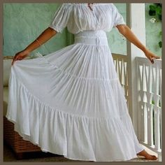 Peasant style wedding dresses – Fashion and trend ideas. Where and how to buy a Peasant style wedding dresses? Change your style! Wedding Dress Gallery, Gypsy Dresses, Bohemian Dresses, Boho Gown, Bride Dresses, Wedding Dresses, Mode Boho, Tiered Skirts, Mexican Dresses
