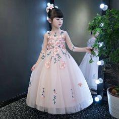 Jean Dress Outfits, Jeans Dress, Royal Princess, Little Princess, Asian Kids, Flower Girl Dresses, Princess Dresses, Cute Babies, Wedding Dresses