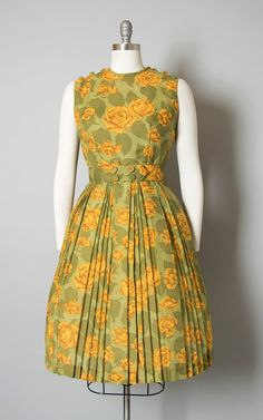 Casual Dresses at great prices Vintage Dresses 1960s, Vintage Outfits, Vintage Fashion, Edwardian Fashion, 1960s Fashion, Designs For Dresses, Dress Neck Designs, Vestidos Vintage, Frock Fashion