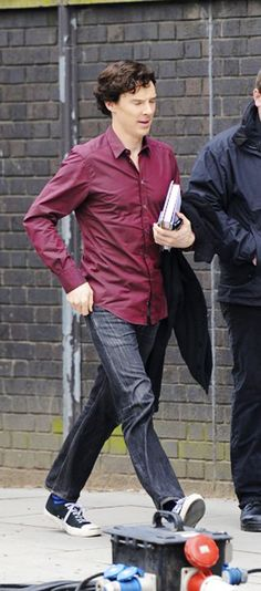 """Sherlock? or Benedict? OMG OMG OMG OMG!!! SHERLOCK OR BENEDICT?"" -- It's the red shirt of sex!"