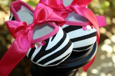 1 Pair of SaSSy B&W ZEBRA Baby Crib Shoes with by thefloppyflower, $10.50
