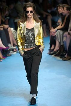 See the complete D&G Spring 2005 Ready-to-Wear collection.