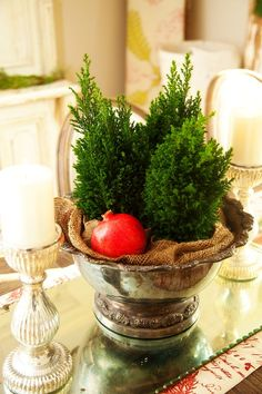 I love the simplicity of this centerpiece.