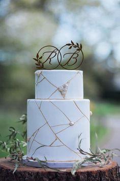 Ideas For Wedding Design Inspiration Bridal Musings White Wedding Cakes, Beautiful Wedding Cakes, Gorgeous Cakes, Contemporary Wedding Cakes, Modern Cakes, Rustic Cake Toppers, Wedding Cake Toppers, Bridal Musings, Geometric Cake
